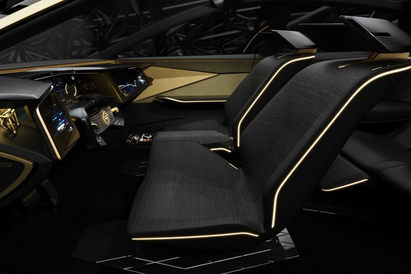 2019 Nissan IMs Interior