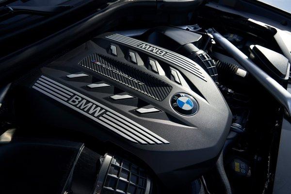 2020 BMW X6 M50i Engine