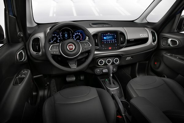 2020 Fiat 500 L Interior