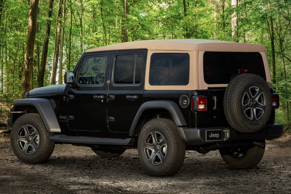 2020 Jeep Wrangler Unlimited Black & Tan