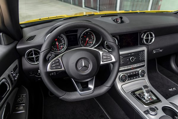 2020 Mercedes-Benz SLC Final Edition Instrumentation