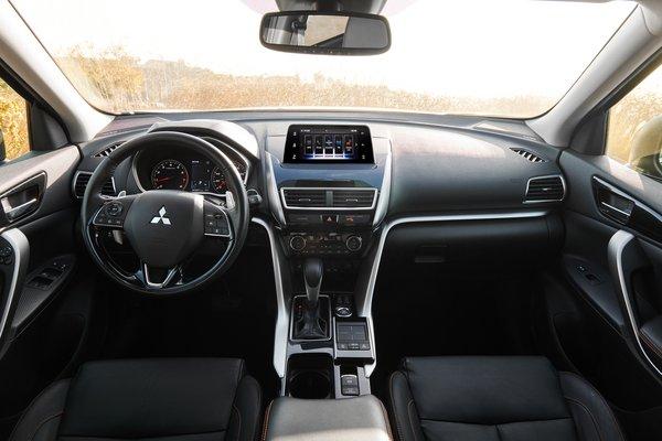 2020 Mitsubishi Eclipse Cross SEL Interior