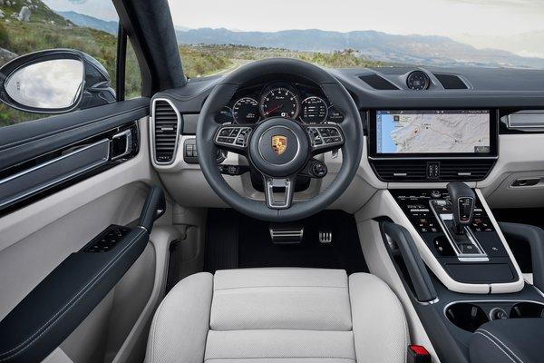 2020 Porsche Cayenne Coupe Turbo Interior