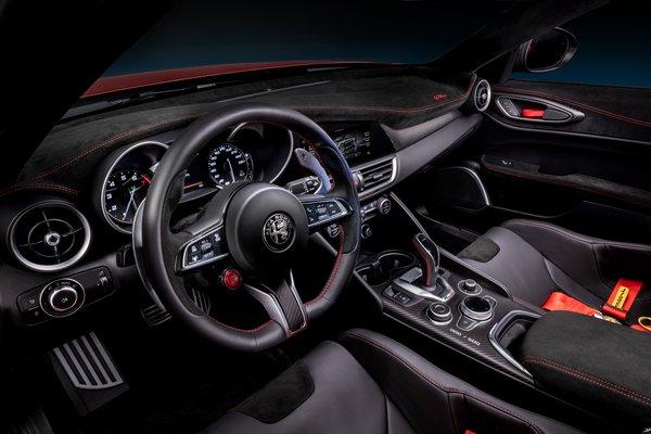 2021 Alfa Romeo Giulia GTA Interior