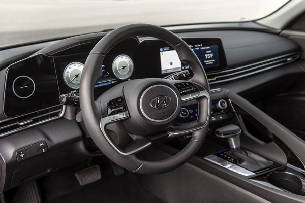 2021 Hyundai Elantra sedan Instrumentation