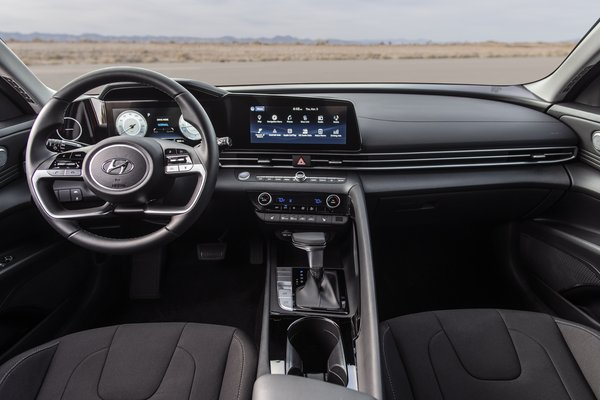 2021 Hyundai Elantra sedan Interior