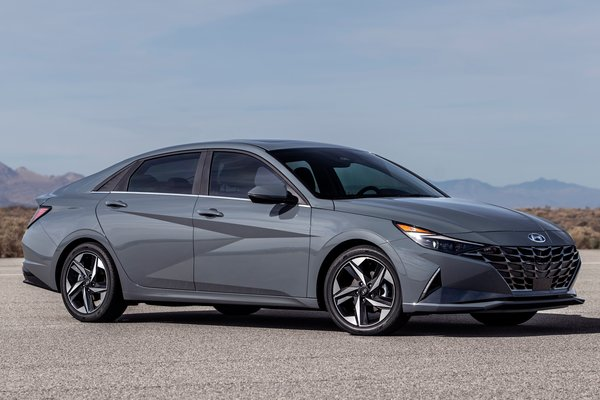 2021 Hyundai Elantra Hybrid sedan