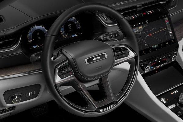 2021 Jeep Grand Cherokee L Overland Instrumentation