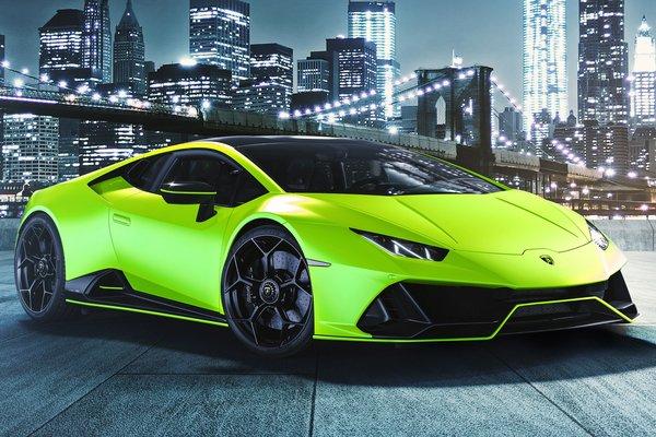 2021 Lamborghini Huracan EVO Fluo Verde Shock