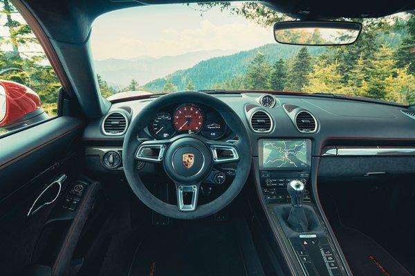 2021 Porsche 718 Cayman GTS 4.0 Interior
