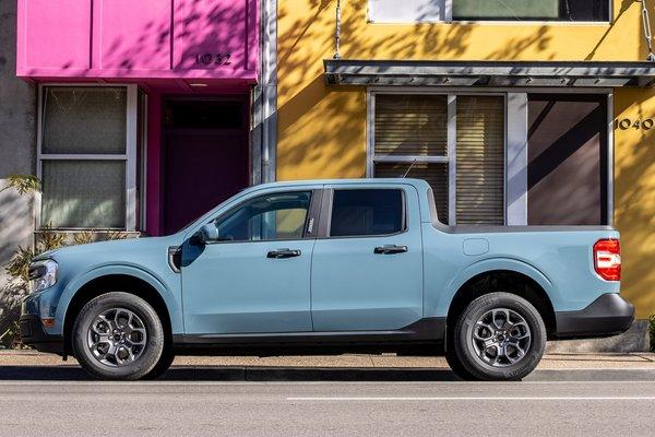 2022 Ford Maverick XLT Hybrid