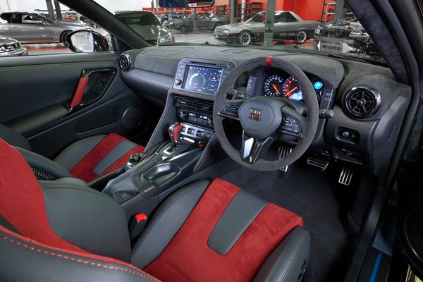 2022 Nissan GT-R NISMO Special Edition Interior (RHD model)